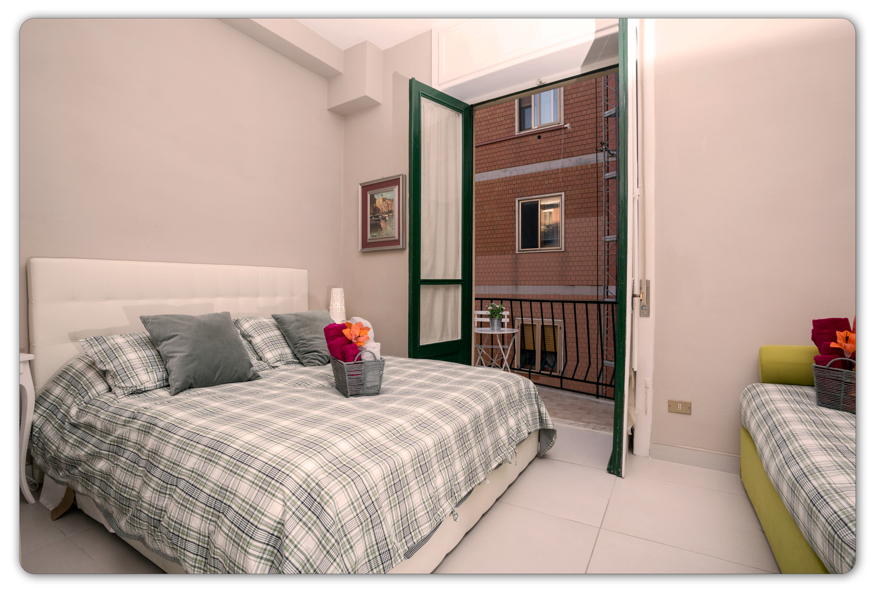 Double / Triple with Private bathroom in Salerno